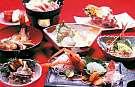 新鮮な赤座エビや磯料理を味わえる!夕食の一例