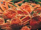 ゆで上げた蟹をたっぷりとどうぞ。