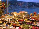 ディナーブッフェ一例 地上79Mから望む絶景と共にお食事を