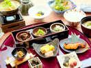 朝から元気になる朝食。体に美味しい活力をどうぞ!