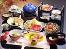 【秋の和会席料理】季節の素材をつかった料理が並びます(一例)