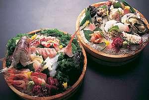 至近の近江町市場より仕入れた新鮮な食材を使用