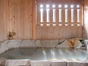 貸切風呂:無料です! 空いていれば札を替えるだけで利用OK。予約もお金もいりません