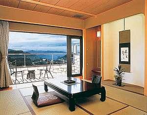 客室一例:最上階5階は眺望抜群の落ち着けるテラス付和室(12畳)