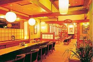 島崎藤村ゆかりの文学の宿、ラウンジ・藤村ライブラリー