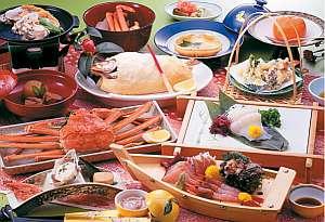 佐渡の海で採れた新鮮魚介類を使用した会席膳