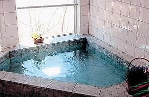 明るく開放的なお風呂