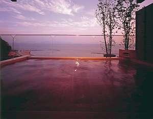 展望露天風呂からは雄大な三河湾を一望