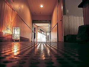 ☆露天風呂へと続く廊下☆