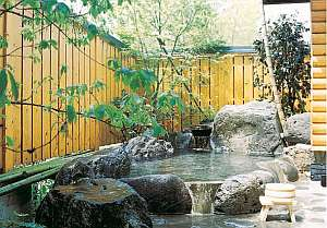 「柊」専用の露天風呂。