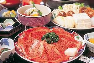 松阪牛すき焼き(写真2名分)お部屋食でどうぞ