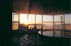 【美ヶ原高原ホテル 山本小屋】標高2000m美ヶ原高原で唯一の天然温泉。絶景を望む雲上の一軒宿!