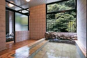 【一花館】渓流沿い眺望の良い和風旅館。静寂なひとときをお過ごしください‥