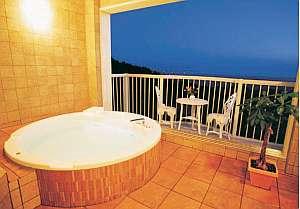 【ペンション KOGETSU】猪苗代湖を一望するお洒落な露天風展望風呂と源泉かけ流し天然温泉