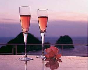 夕陽を眺めながらのひと時、ワインサービス※10月中旬~