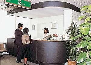 明るく開放的で、温かいサービスで迎えてくれるフロント