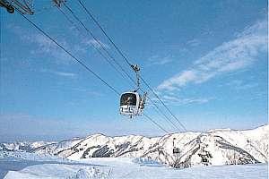 目の前にある、白山一里温泉スキー場