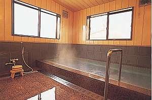 ゆったりとしたお風呂は男女入替え制