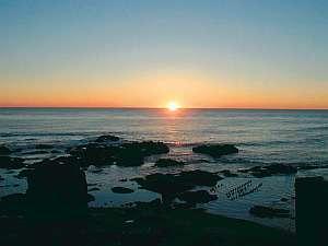 海側のお部屋からは、日の出が見えます
