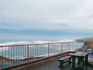 百人浜からえりも岬まで見渡せます