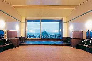大浴場は温泉となっておりサウナも完備