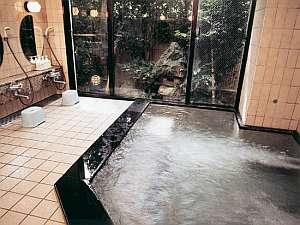 24時間沸き続ける、1300年の名湯を…