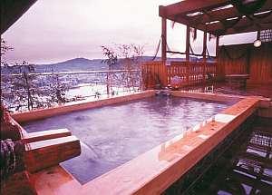 平戸温泉・展望露天風呂「美湾の湯」は平戸瀬戸を一望