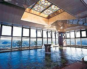 10F和荘展望温泉大浴場「じゃがたらの湯」平戸一高い位置から見おろせる展望大浴場