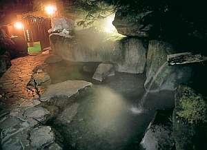 夜の混浴の露天風呂