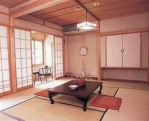 純和風の客室で奥飛騨の旅を満喫(和室一例)