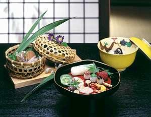 【料理】季節の食材を調進、芹生自慢の「草菜味懐石」※料理は一例です
