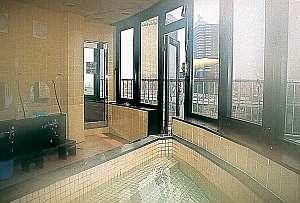 当ホテル自慢!隅田川を望む最上階の男性用展望風呂、女性は最上階大浴場を御利用下さい