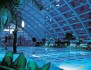 ホテル付帯としては最大のフィットネス施設「Club&Club」の屋内プール
