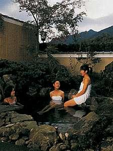 岩風呂の露天風呂。