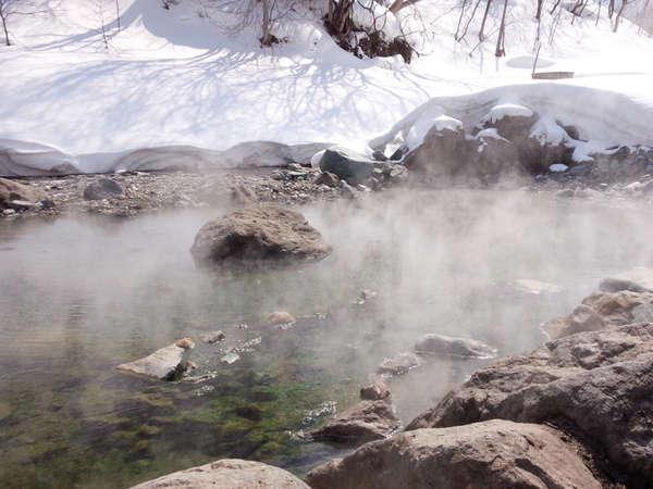 *切明野天風呂/白い世界の中で温泉時間