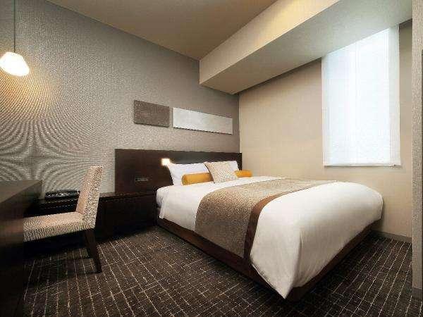 カジュアルダブルルーム☆二名利用でもゆったりのベッド幅140cm