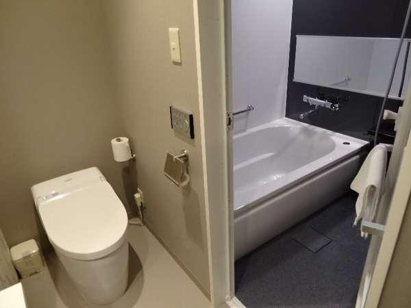 口コミでも高評価の独立したトイレと浴室で、自宅のようなくつろぎ
