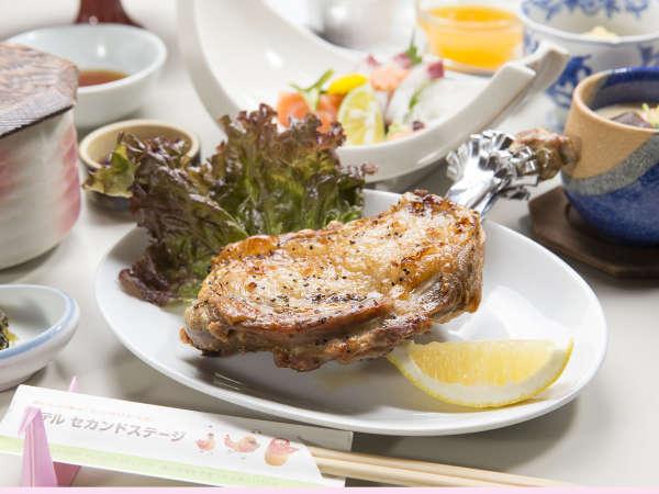 【骨付き鳥】香川名物♪皮はパリッと、肉汁ジュワ~!ボリューム満点です