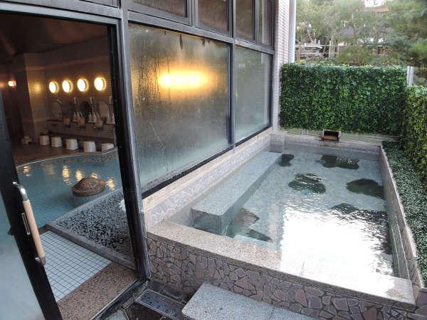 *大浴場:自家源泉100%の天然温泉を露天風呂でご満喫下さい