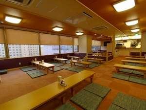 大浴場7F休憩所です。ビールやソフトドリンク・軽食もご用意しております。(営業時間AM11:30~PM22:00)