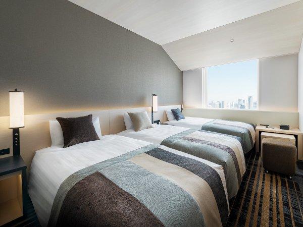 スタンダードトリプル ●広さ:25平米 ●ベッド:幅98cm × 長さ196cm 3台