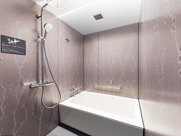 全客室のバス・トイレがセパレートタイプで、洗面台も独立した機能的な客室。