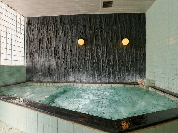 ■男性用大浴場■広い浴槽で手足を伸ばし一日のリフレッシュをしませんか