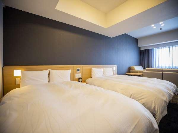 ■禁煙デラックスツインルーム広さ37平米 ベッド2台+ハイダーベッド1台