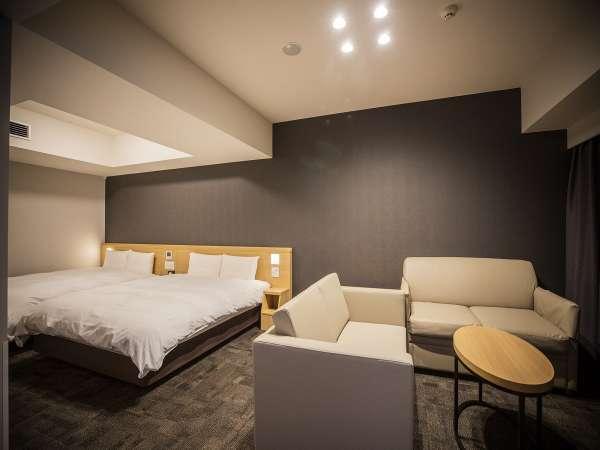 ■禁煙デラックスツイン広さ37平米 ベッド2台+ハイダーベッド1台