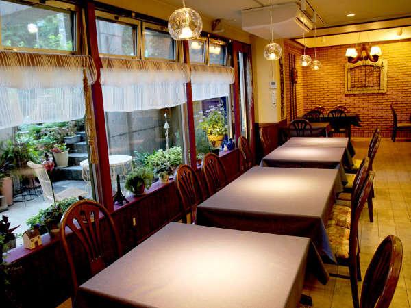 *【レストラン】柔らかな光の中ゆっくりとお召し上がりください