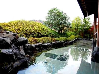 【温泉】展望露天風呂でのんびり疲れを癒してください。