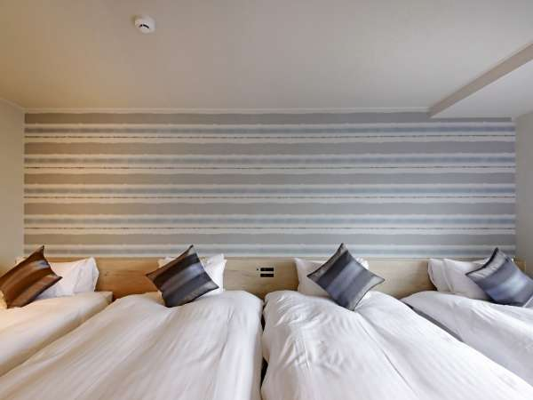 【客室】《禁煙/100㎡》プレミアムルーム(ベッド10台):シングルベッド×4台