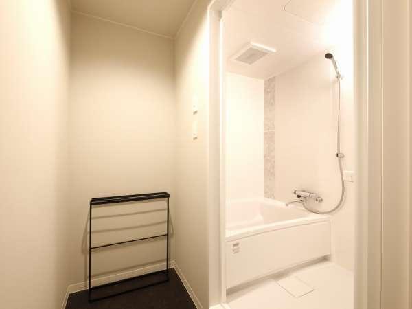 【風呂】バスルーム(バスタブ付)(スタンダード・コーナーデラックスルーム・プレミアムルームのみ)