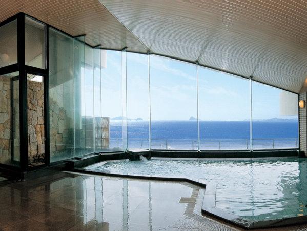天然温泉展望大浴場『千賀の湯』 目の前には伊勢湾が広がり、知多の島々が望めます。※男女入れ替えあり
